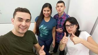 Estudiantes de programas en Mercadeo y Ventas participan de Concurso  Tic-TacIUSH
