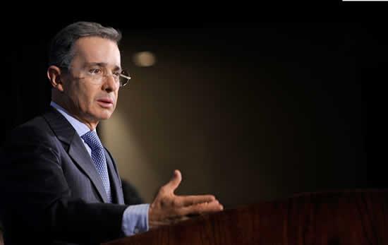 Álvaro Uribe Vélez estará en la Institución Universitaria Salazar y HerreraIUSH