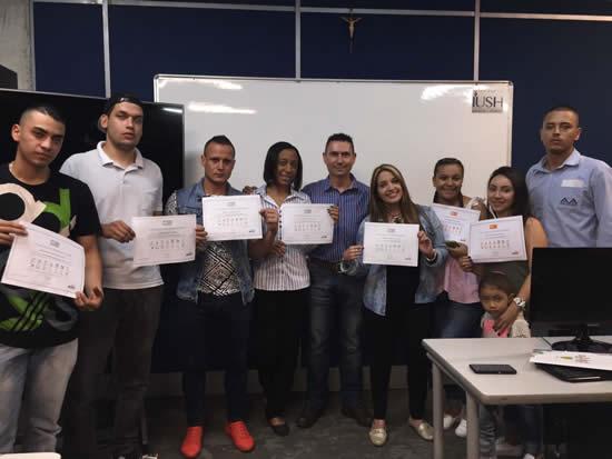 Estudiantes se certifican con GoogleIUSH