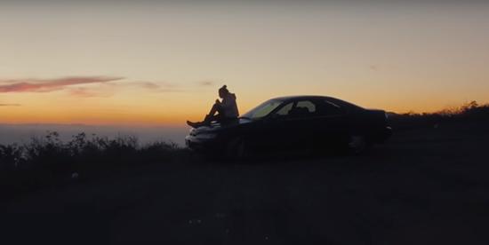 Max Lanman logra vender el carro usado de su novia por más de $100.000 USDIUSH