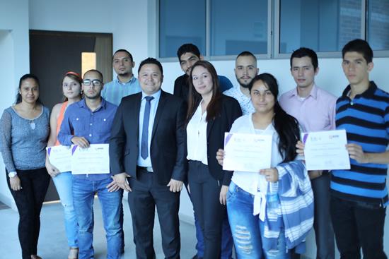 Estudiantes de Ingeniería se certifican con ADN SoftwareIUSH