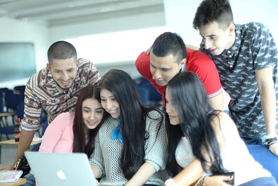 Convocatoria de prácticas: Estado Joven IUSH