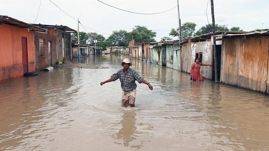 Viceministra de Agricultura destituida por tomar vacaciones durante desastres en PerúIUSH