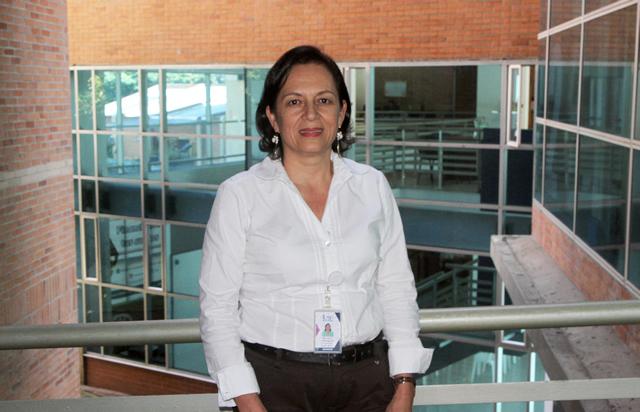 Colaboradora de la Organización realiza la publicación de su libroIUSH