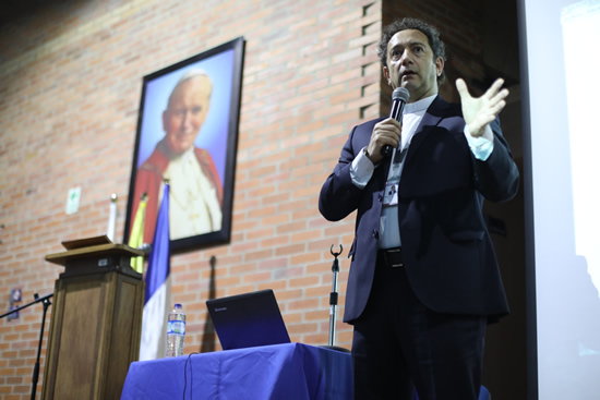 Rector de la IUSH participará en la Cumbre de Líderes 2017 IUSH