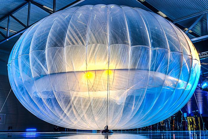 Entregas por drones y globos aerostáticos con Internet, la nueva realidad tecnológica de Google.IUSH