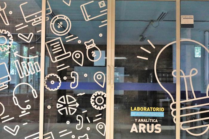 Laboratorio ARUS un espacio más para que los estudiantes desarrollen su creatividadIUSH