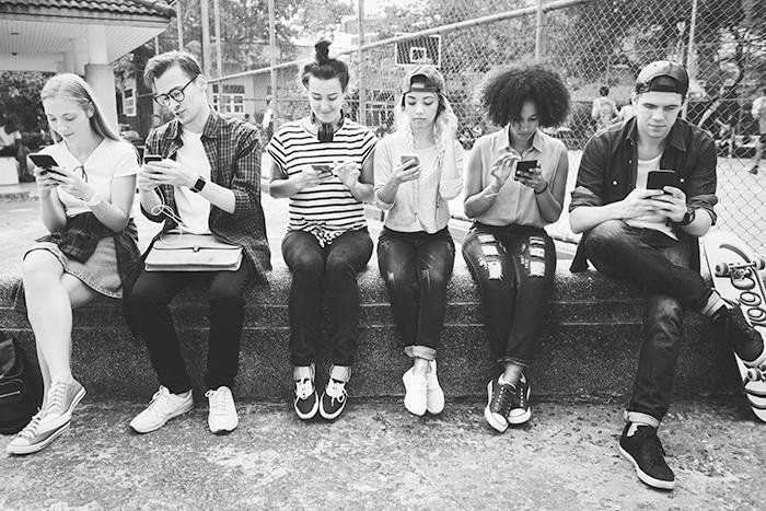 La adicción al celular como problemática de salud públicaIUSH