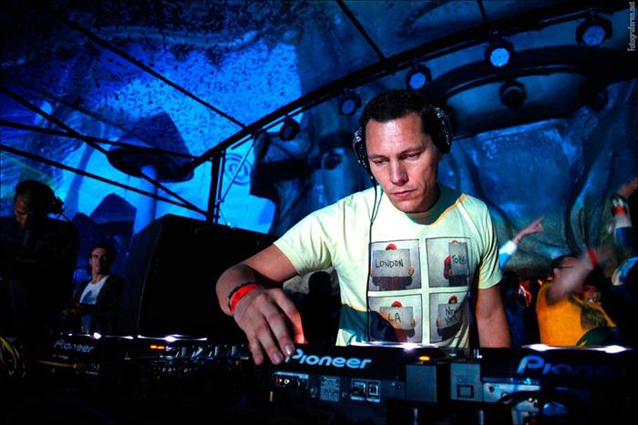 Dj Tiesto mezcla en Tomorrowland una de las canciones más emblemáticas de ColombiaIUSH