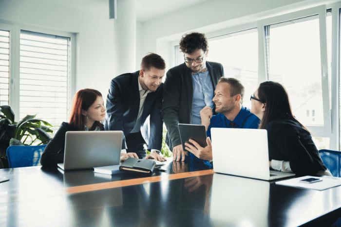Las funciones empresariales van más allá de lo económicoIUSH