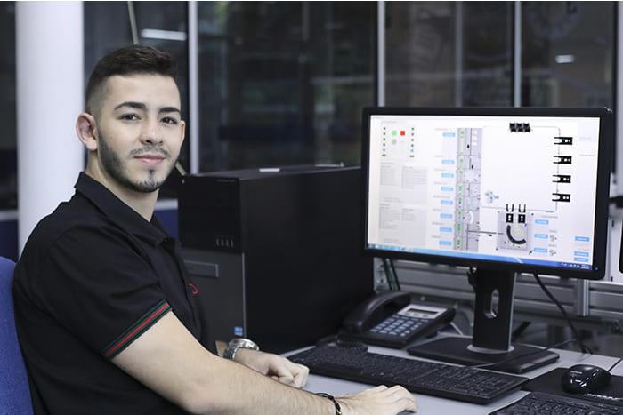 Ingeniería de Sistemas recibe la renovación del Registro Calificado por MineducaciónIUSH