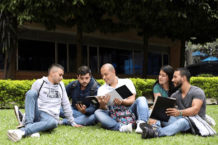 Currículo Integrado, un proyecto de conocimiento entre la IUSH y los colegios arquidiocesanos.IUSH
