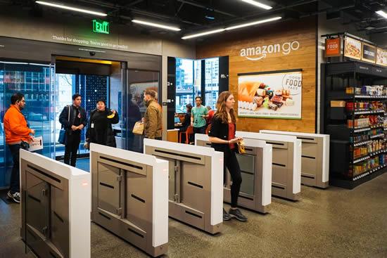 Amazon innova con su primera tienda sin empleados y sin cajerosIUSH