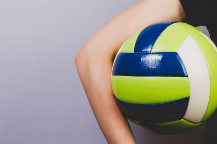 La IUSH otorga becas deportivas a cuatro de sus estudiantes más destacadasIUSH