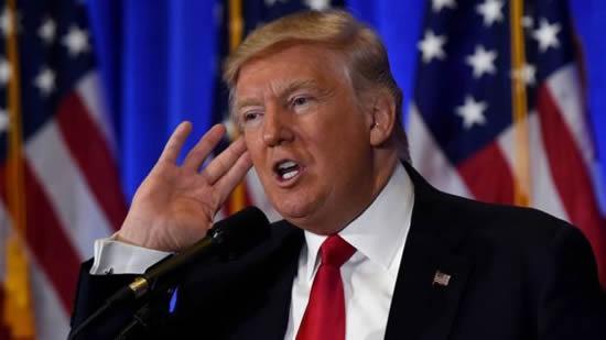 La autoridad que impone el lenguaje corporal de Donald TrumpIUSH