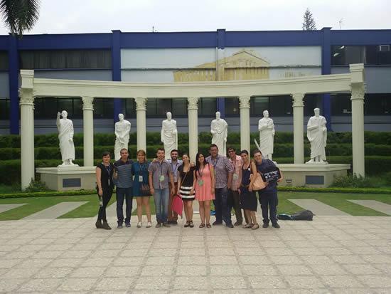 10 estudiantes investigadores dejaron en alto a la IUSH en Encuentro Nacional e Internacional de RedCOLSIIUSH